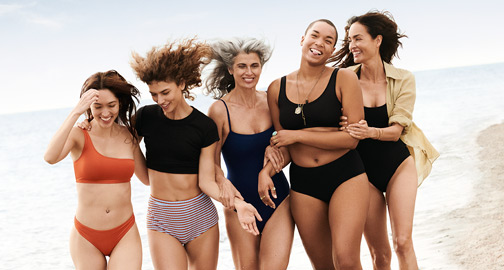 Freundinnen am Strand