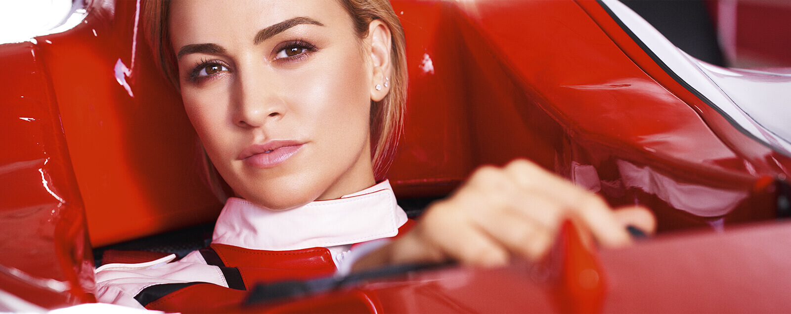 Model Autorennfahrerin